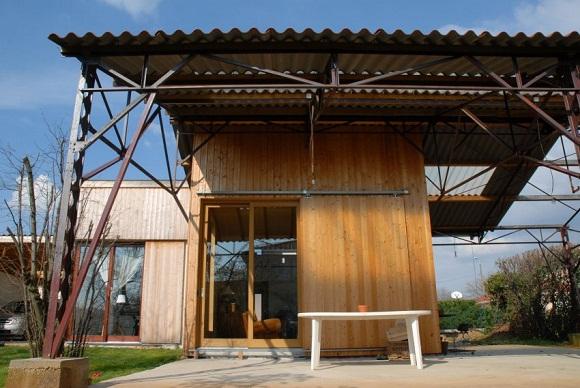 Maison individuelle dans un hangar