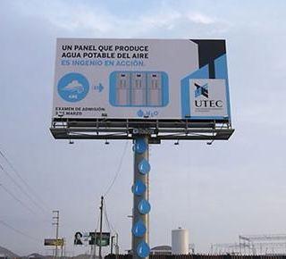 Panneau publicitaire distributeur d'eau potable au Pérou