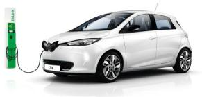 Renault, véhicule électrique en charge
