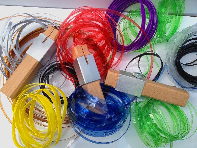 cordon fait avec des bouteilles plastiques, une autre façon de recycler