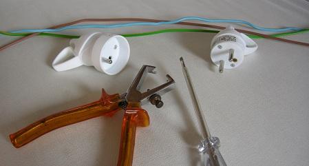 Comment changer une prise electrique d un appareil mouvement uniforme de la - Comment changer une prise electrique ...