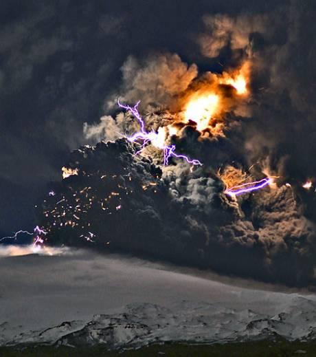 eruption-du-volcan-eyjafjoll