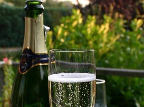 nouvelle bouteille de champagne qui reduit les émissions de CO2