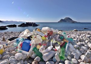Déchats plastiques sur les plages