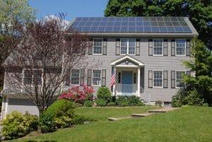 Panneaux solaires sur maison