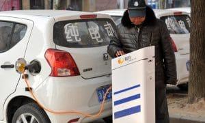 Véhicues électriques et hybrides rechargeables